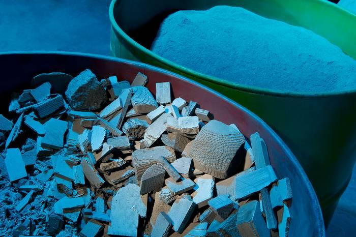 Structurile ceramice şi pulberea sfărâmată din acestea