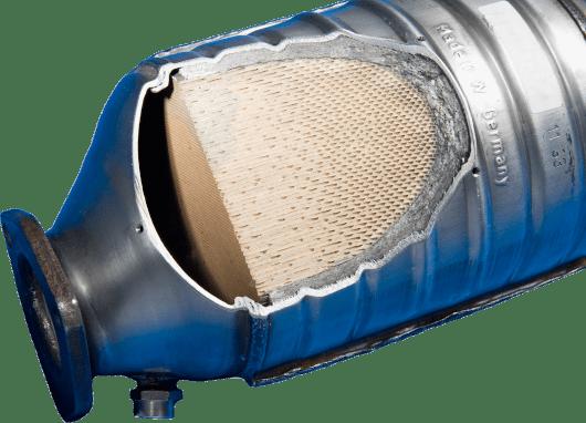 Průřez keramickým katalyzátorem